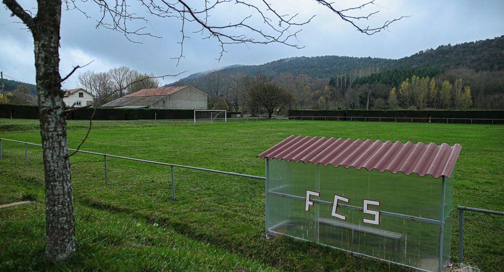 stade de foot ball sauclières 21