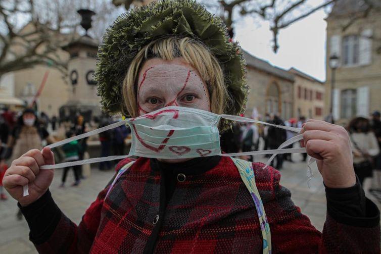 Millau manifestation culture non essentielle mars 2021 30