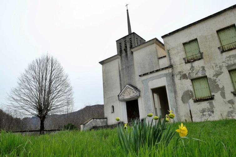 Le-Brézou-Village-EDF-Brommat-Aveyron-3