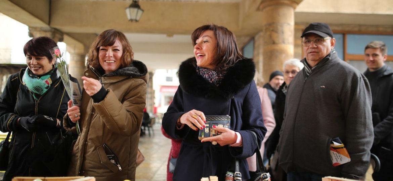 Millau-2020-Marché-du-7-mars-Carole-Delga-et-Emmanuelle-Gazel-1